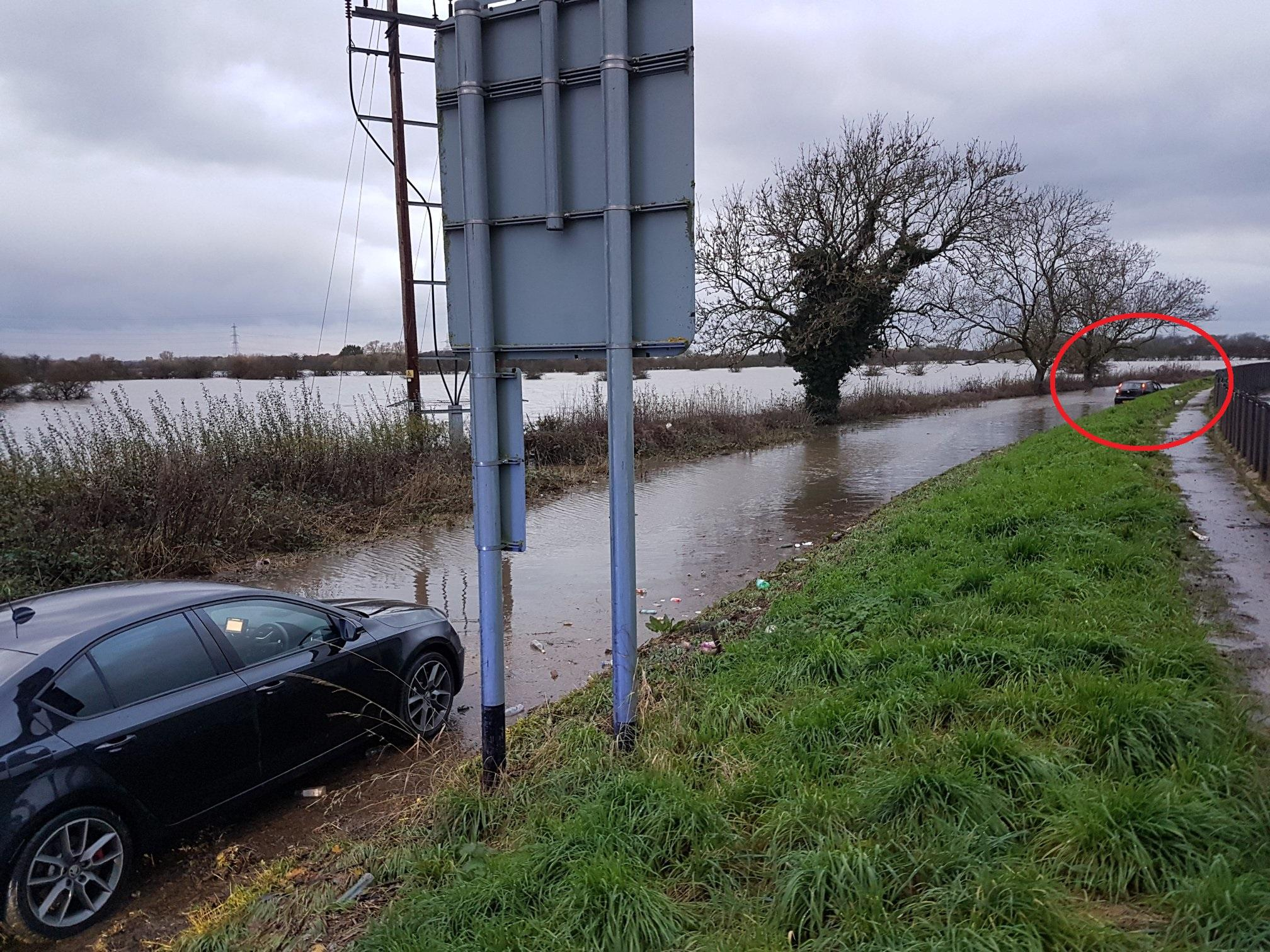 Dopey Doncaster driver arrested after car ends up stranded in flood hit Fishlake after chase - Doncaster Free Press