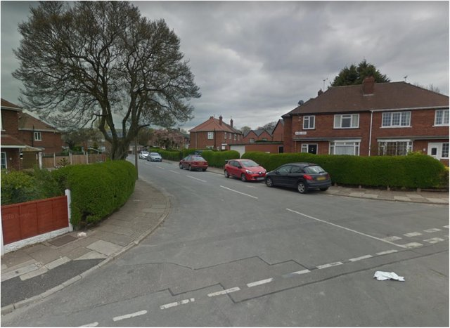 People living in Bristol Grove have reported hearing shots.
