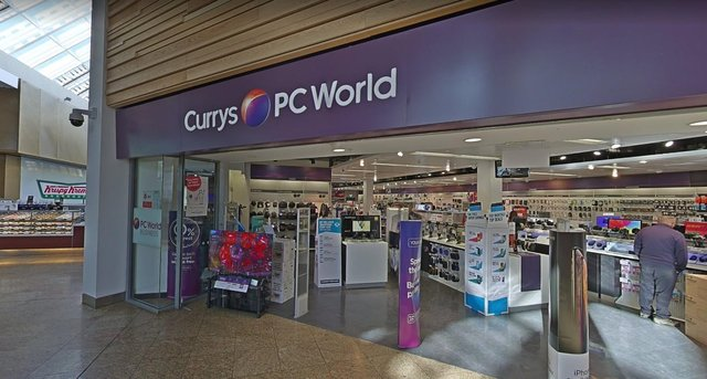Currys PC World in Meadowhall is to reopen as a tech help hub on Monday.