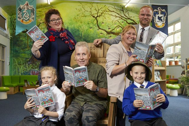 Pix: Shaun Flannery/shaunflanneryphotography.comCOPYRIGHT PICTURE>>SHAUN FLANNERY>01302-570814>>07778315553>>11th September 2019Poppy Warrior book Launch by Author Peter J Murray at Pheasant Bank Academy, Rossington, Doncaster.Pictured pupils Crystal Leach and Alex Joyner with L-R Louise Masson, Pete Murray, Pippa Robinson, Ryan Schofield.