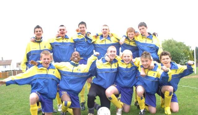 The Edenthorpe Under 15's football team, 2007.