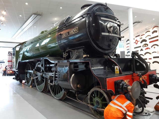 Green Arrow in place at Doncaster Museum