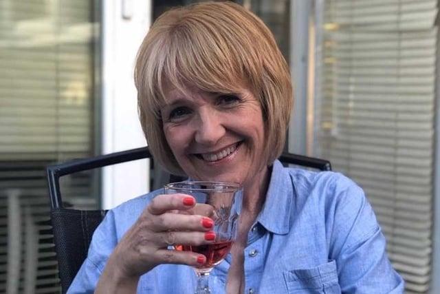 Melanie Hewitt - author.