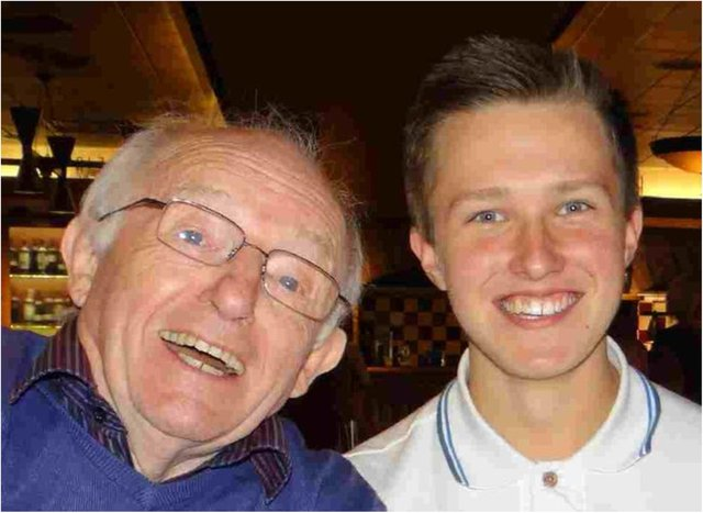 Lewis Daniels with late grandad, TV magician Paul Daniels (Photo: Twitter/@LewisDaniels25)