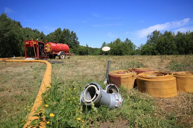 Hatfield Moor fire, Tuesday June 2, 2020. Water pumps.  Photo: Chris Etchells
