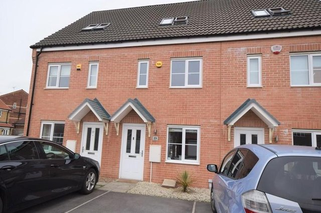 A very stylish and modern three double bedroom mid town house set over three floors offering excellent living accommodation situated within this popular development on the outskirts of Harworth.
