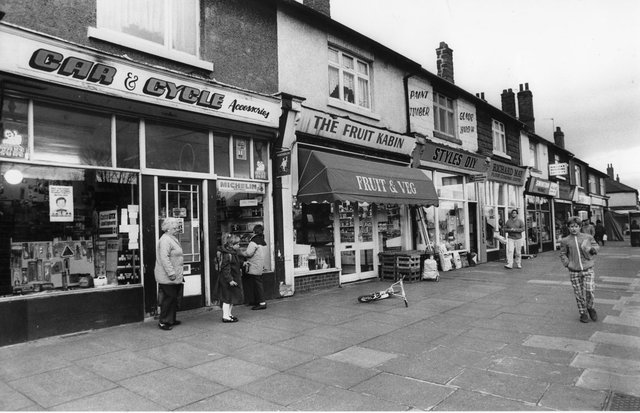 Doncaster's shops in the 1980s - Balby in 1989.