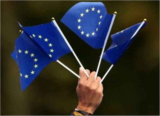 EU citizens have to apply for settled status.